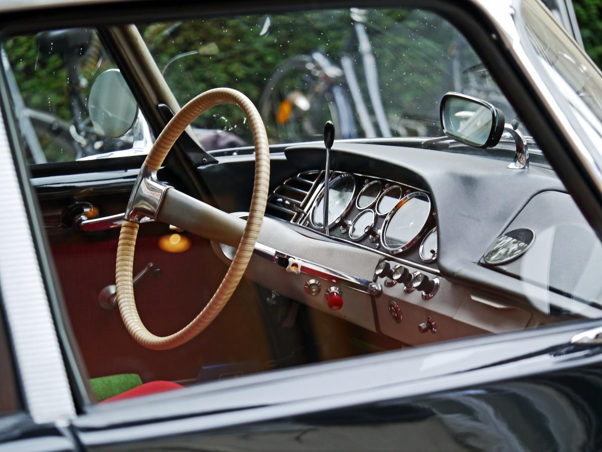 Images gratuites roue france tableau de bord v hicule for Interieur voiture de luxe
