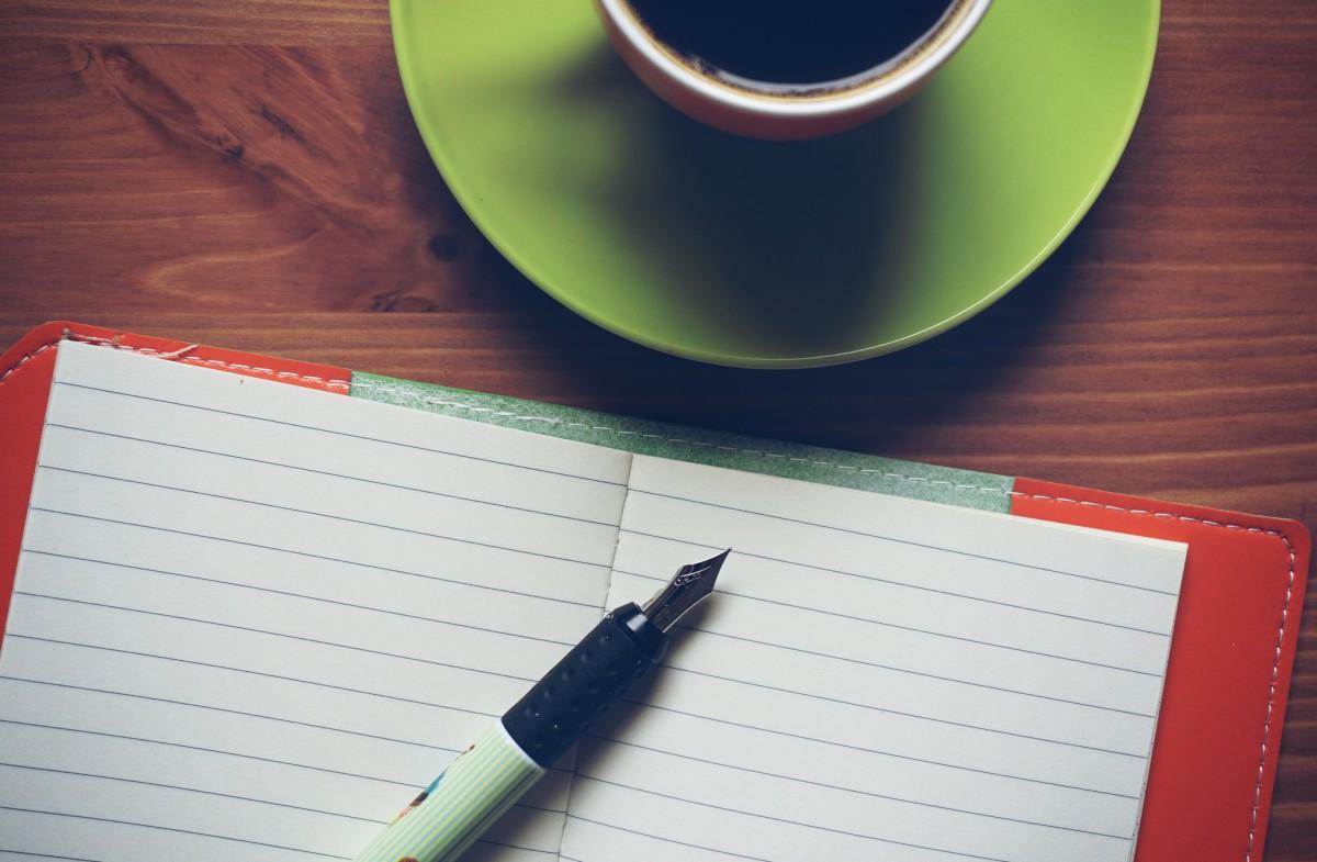 sổ tay viết Cafe cà phê cây bút Tách màu xanh lá Đỏ màu đồ uống uống giấy chú thích Đài phun nước Caffeine Làm mới Tài liệu