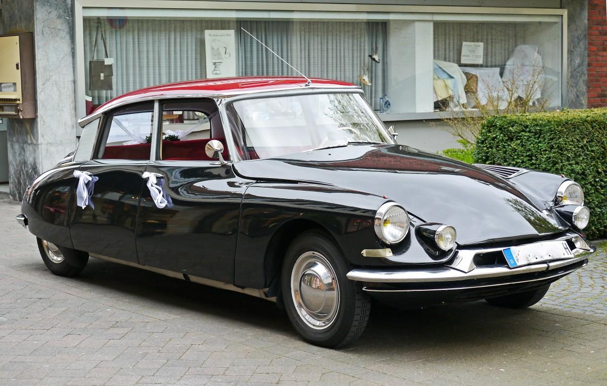 images gratuites france v hicule voiture classique voiture de sport futuriste voiture. Black Bedroom Furniture Sets. Home Design Ideas