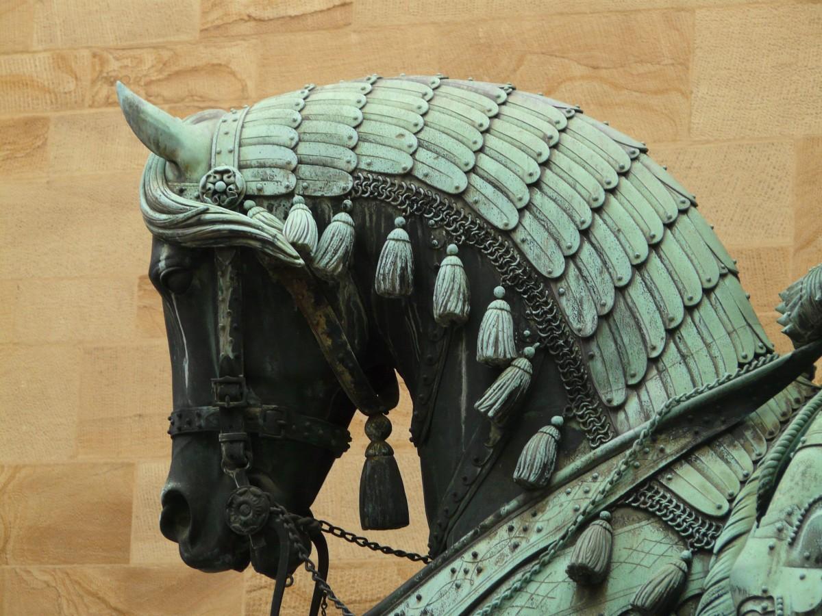 Images Gratuites : bois, animal, monument, statue, cheval ...