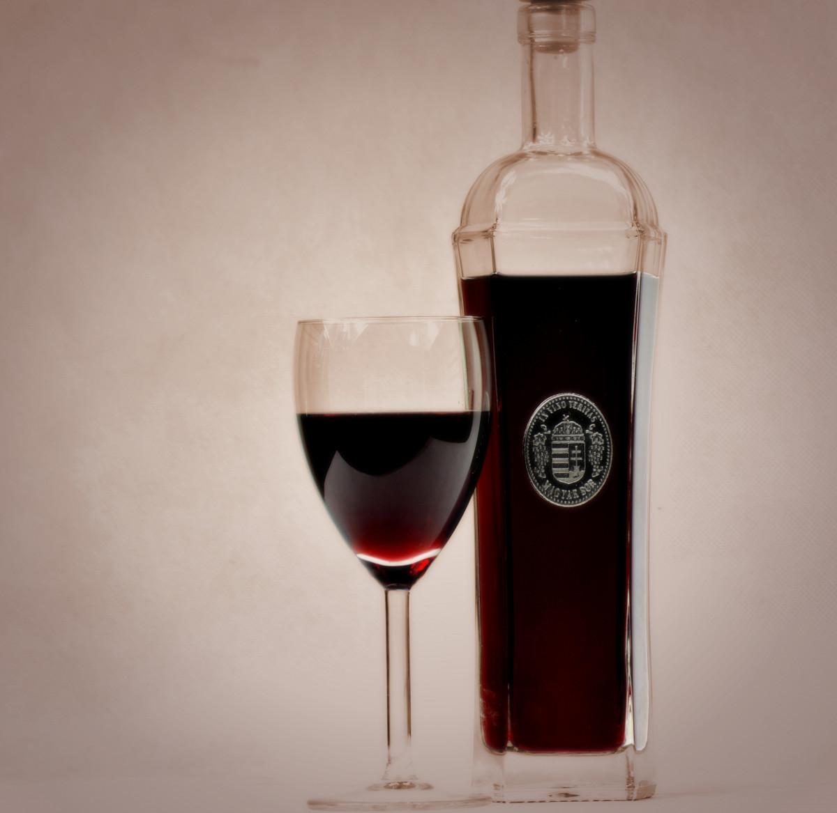 images gratuites coupe vase vin rouge bouteille de. Black Bedroom Furniture Sets. Home Design Ideas