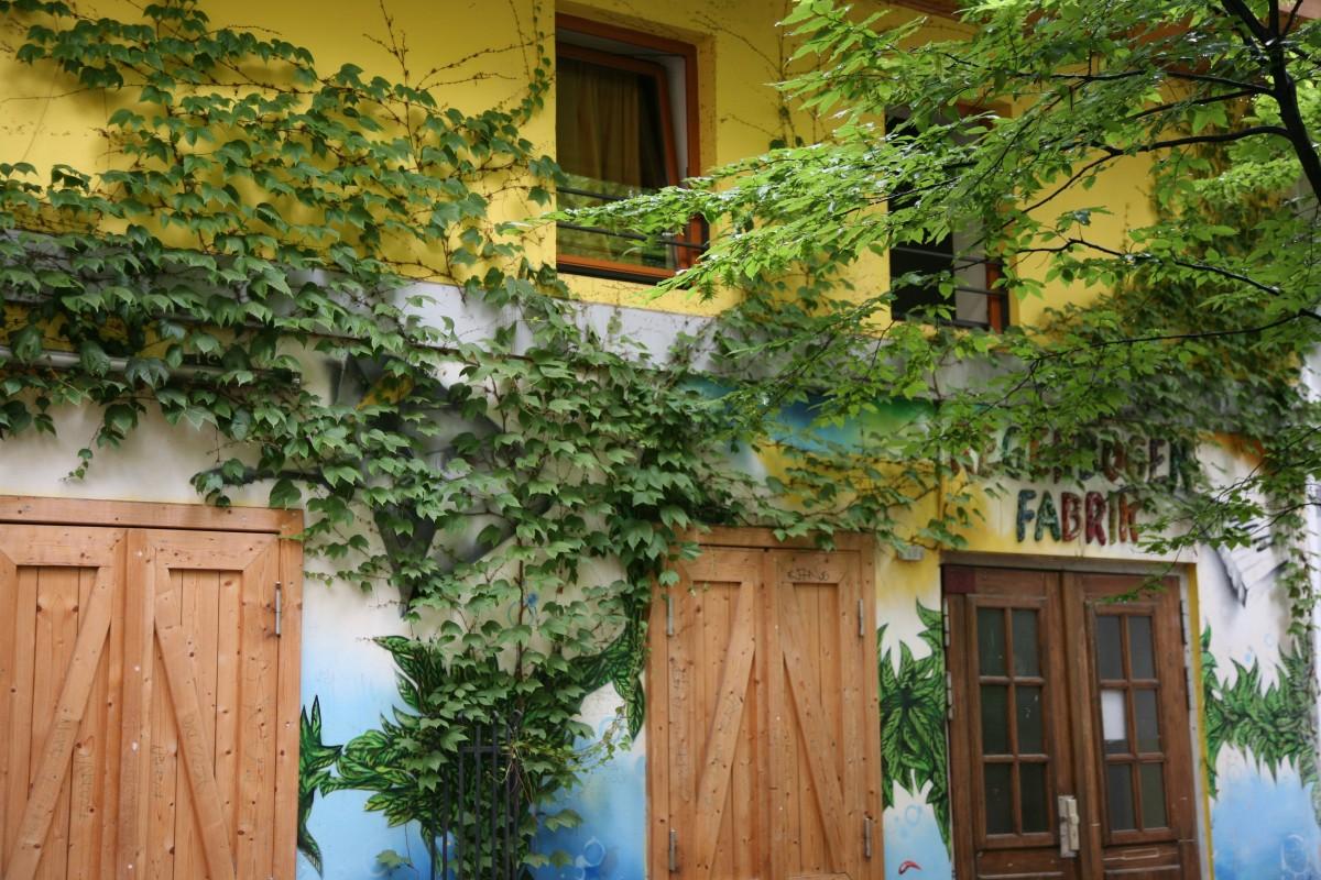 Fotos gratis estructura villa flor casa decoraci n naranja caba a patio interior - Ley propiedad horizontal patio interior ...