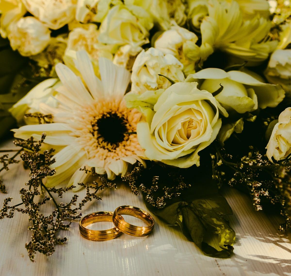 сразу красивый букет и кольцо картинки более что