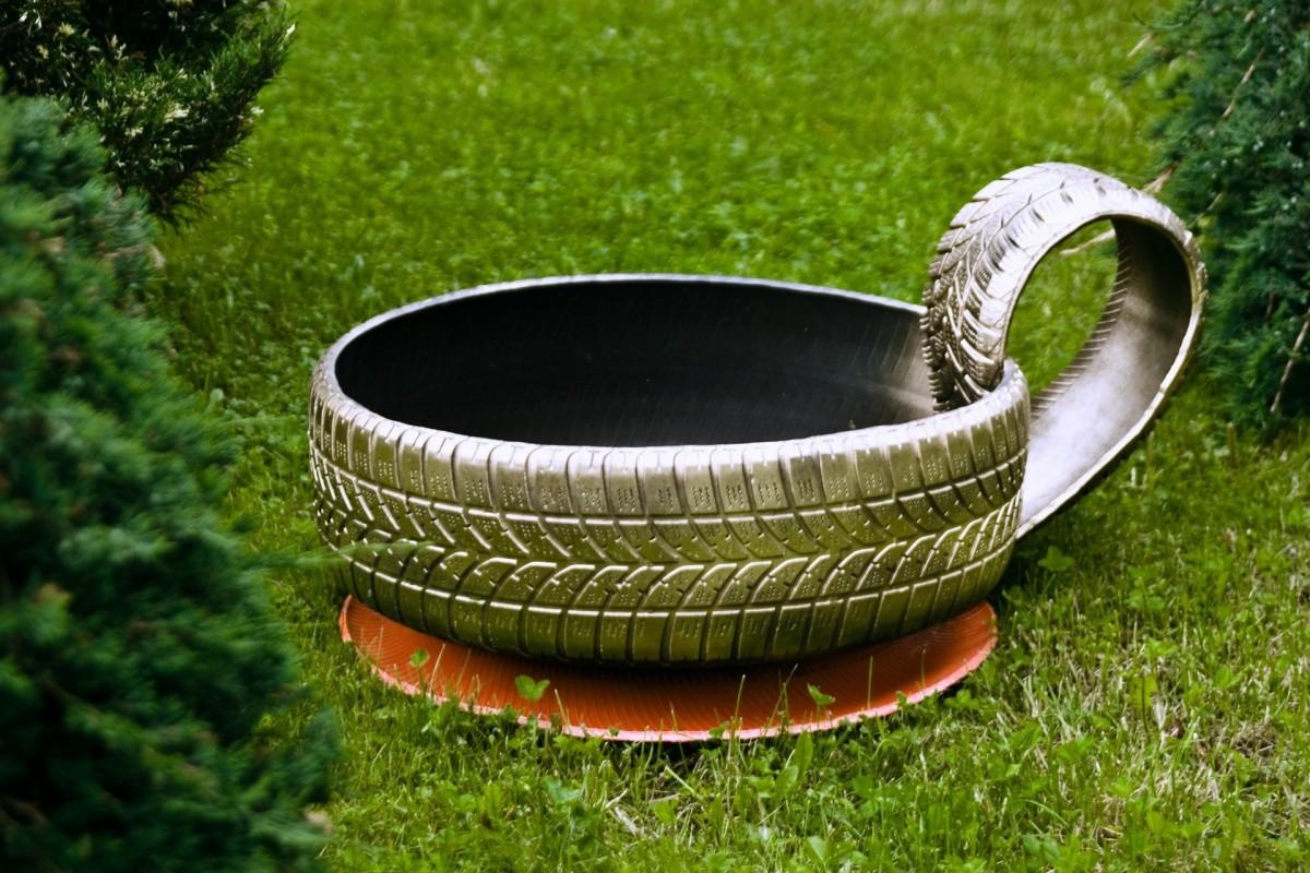 Pot De Fleur Avec Des Pneus images gratuites : table, herbe, pelouse, d�coration, vert