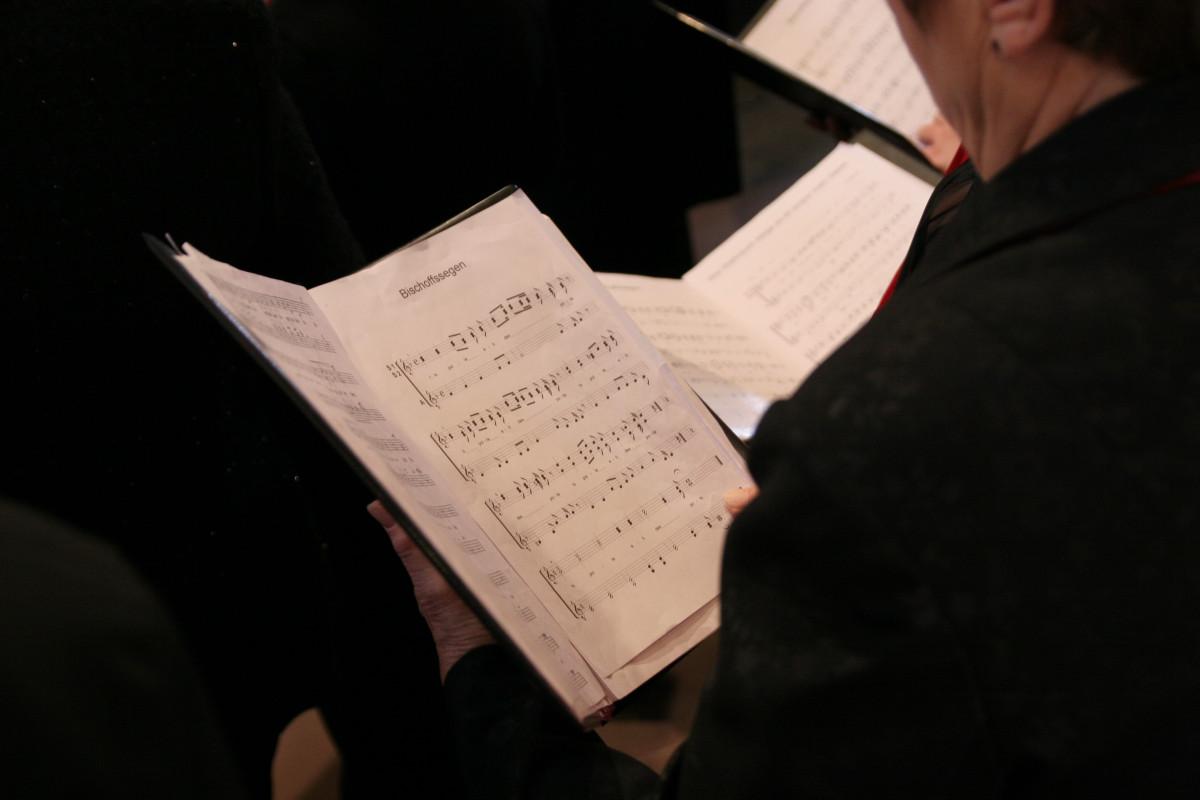 Kostenlose foto : Schreiben, Musik-, Verein, Kirche, Chor, Christian ...