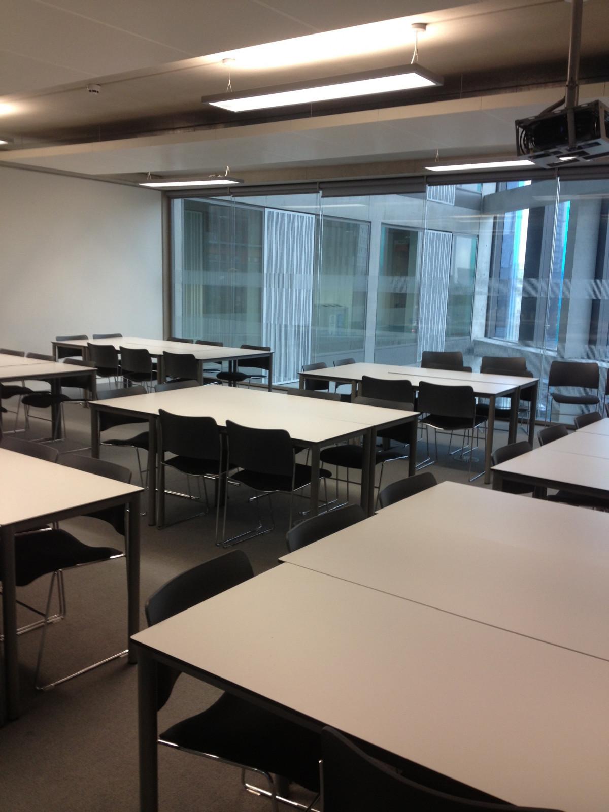 Kostenlose foto b ro zimmer klassenzimmer schule for Innenarchitektur lernen