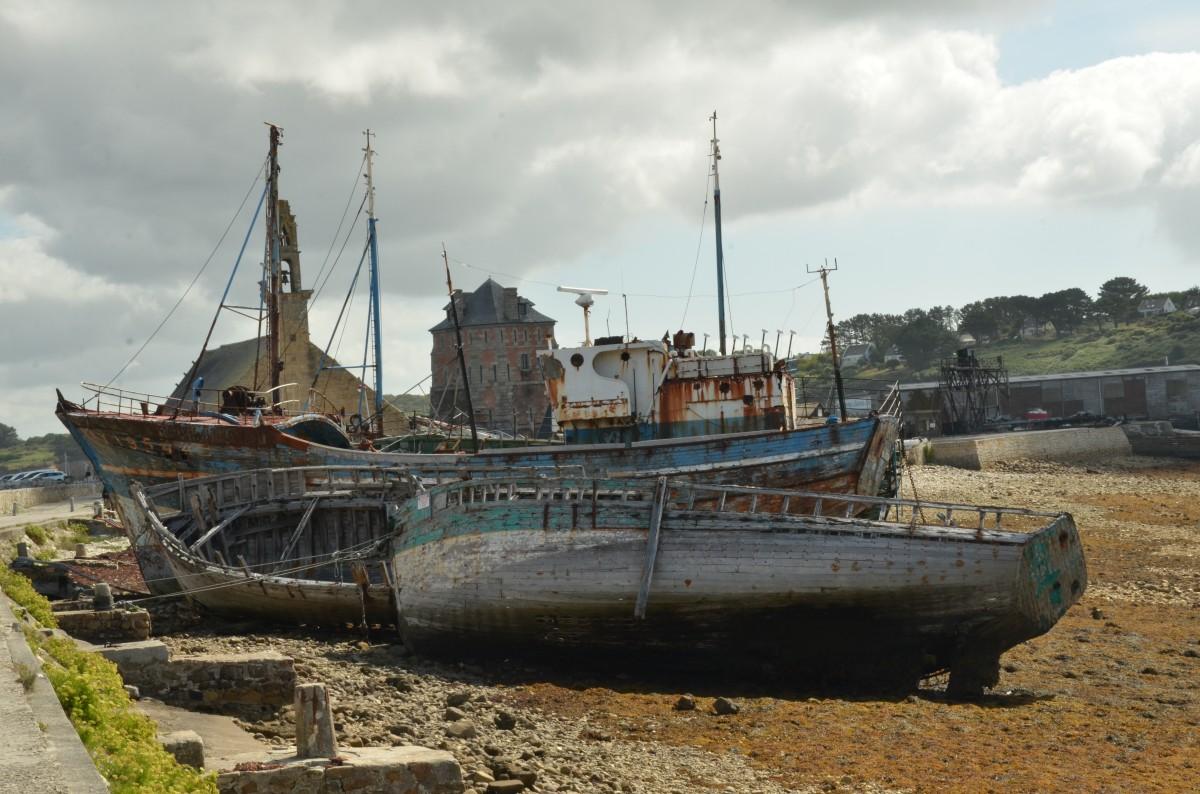 laut perahu kota kapal Desa Perancis karat kendaraan menara jalan air ship wreck kecelakaan perahu kadaluarsa brittany kapal penangkap ikan kapal kuburan tur vauban camaret sur mer kapal