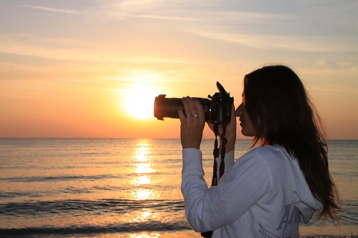 попробовать фото с найденных фотоаппаратов на пляже красивый секс