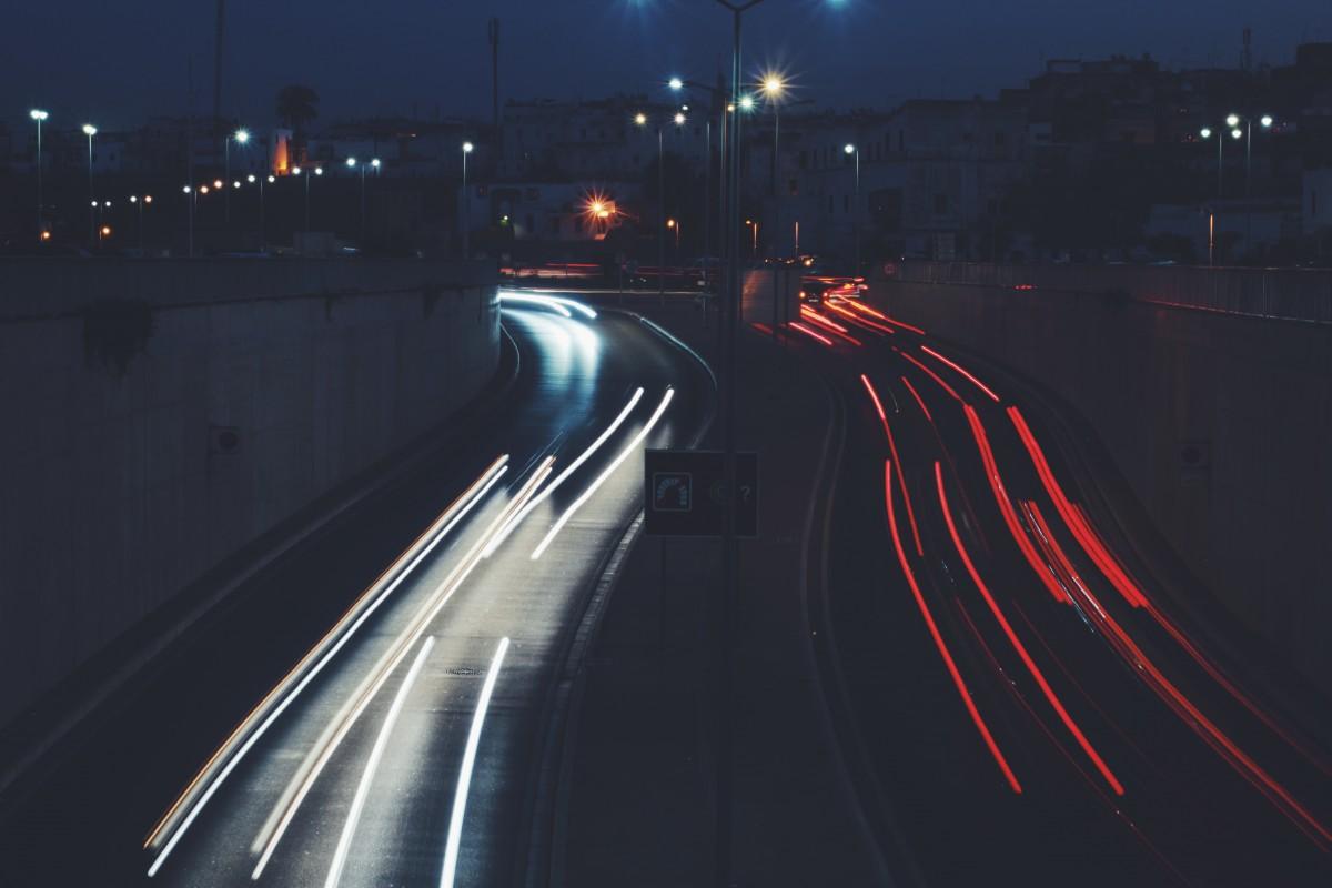 images gratuites des voitures feux de voiture photographie longue exposition rouge blanc. Black Bedroom Furniture Sets. Home Design Ideas