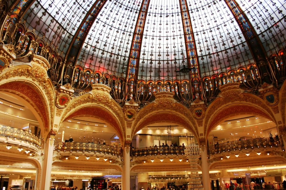 bâtiment palais Paris Opéra place point de repère lieu de culte Arcos dôme Lafayette Galeries lafayette