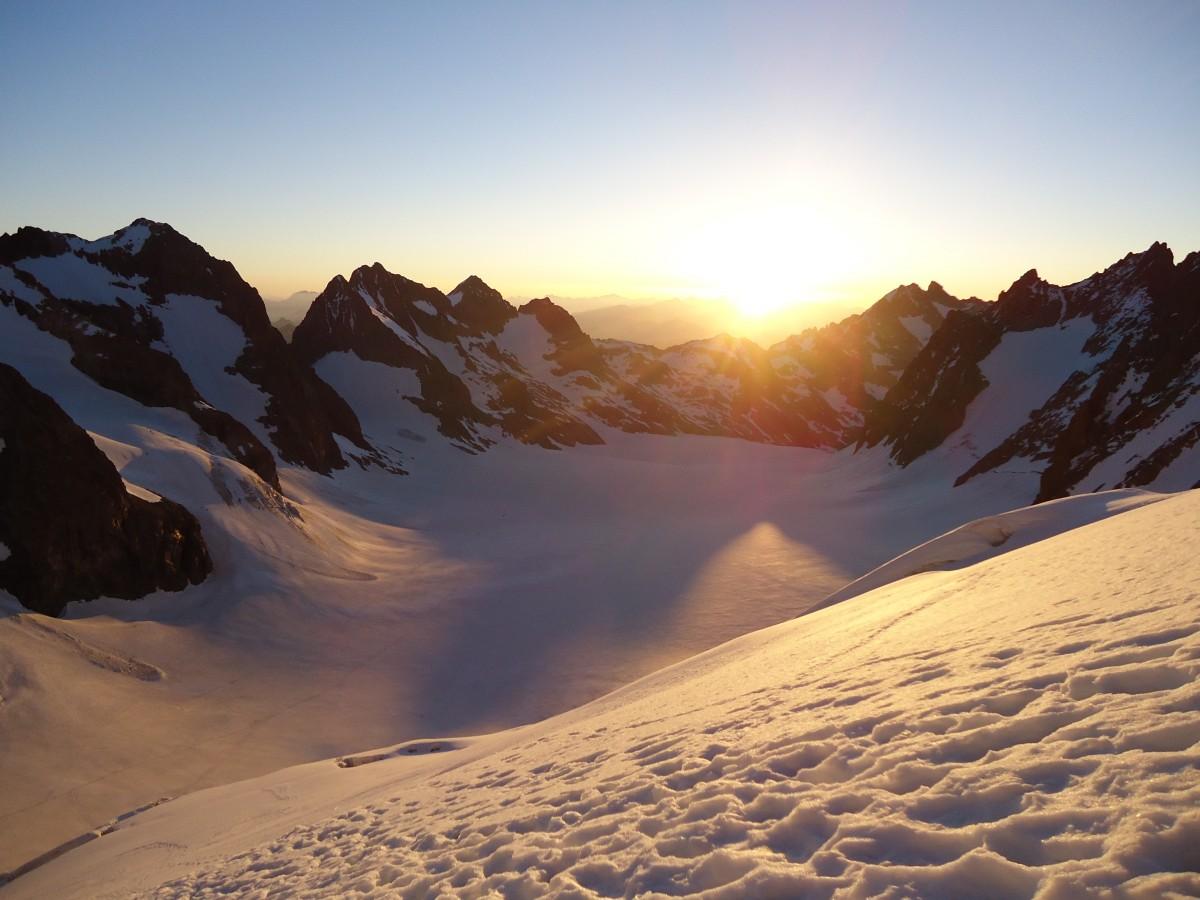 Images gratuites paysage montagne neige hiver nuage lever du soleil le coucher du soleil - Photo coucher de soleil montagne ...