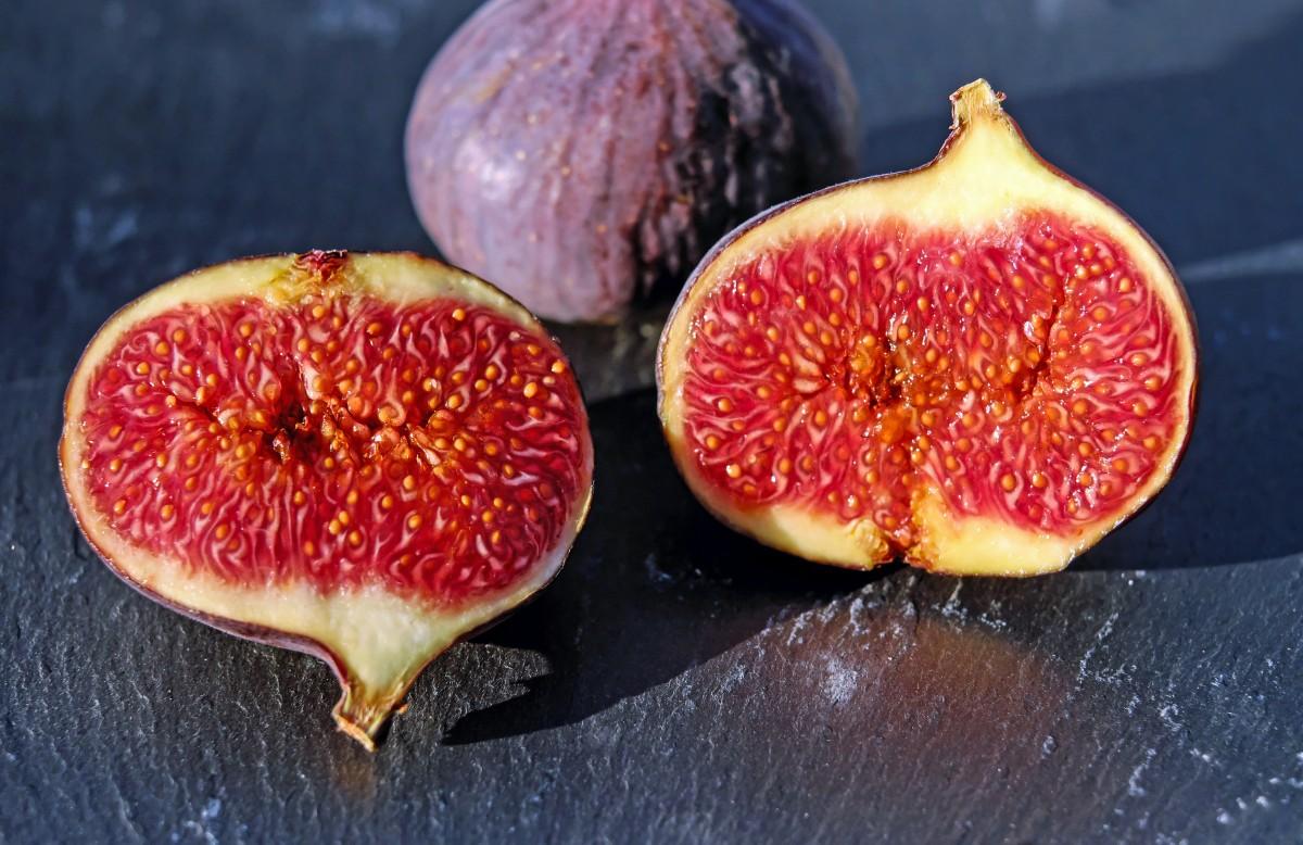 rostlina ovoce sladký jídlo vyrobit ovoce fíky kvetoucí rostlina obr ovoce red zbabělec společný obr rostlina země