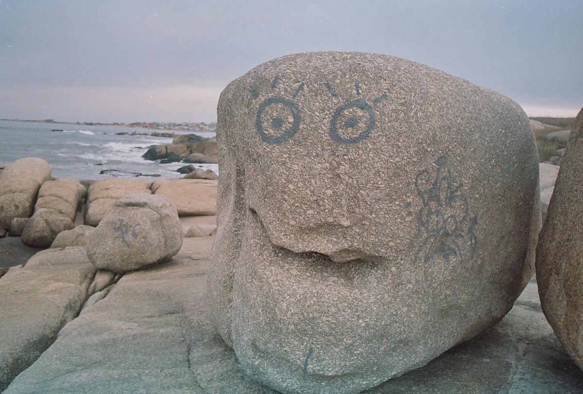 картинки лица из камней