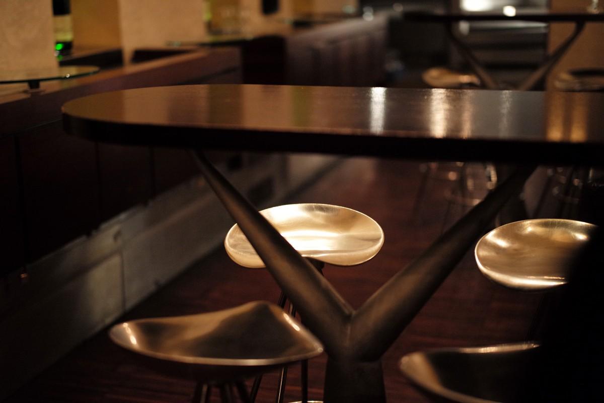 Free Images : laptop, table, cafe, night, stool, window ...