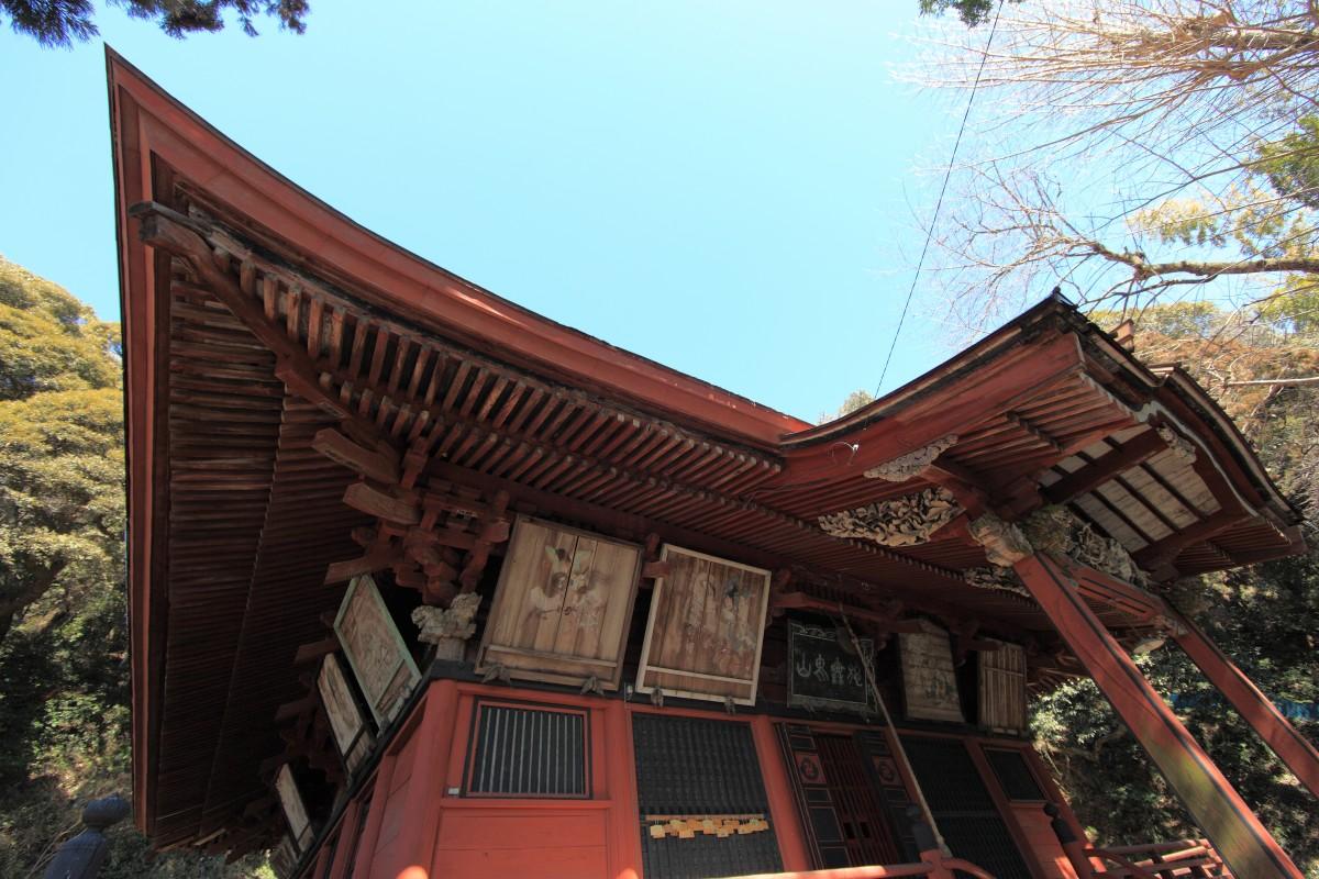 Immagini belle casa tetto interior design tempio for Architettura in stile cottage