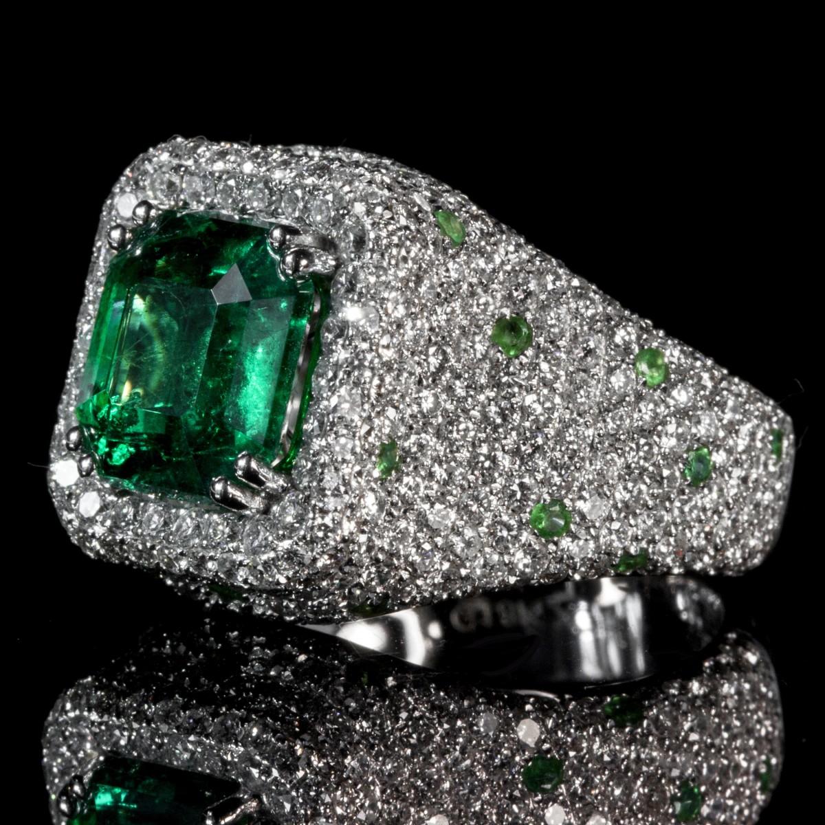 Gambar Cincin Perhiasan Berlian Zamrud Batu Permata Warna Po 1 Set