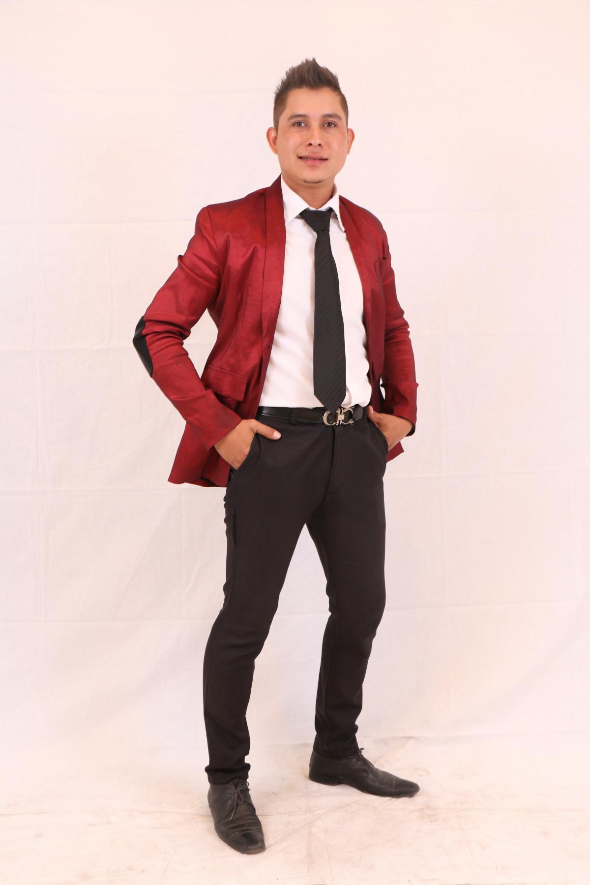 Fotos Gratis Hombre Persona Traje Cuero Masculino En Pie Modelo Primavera Rojo Moda