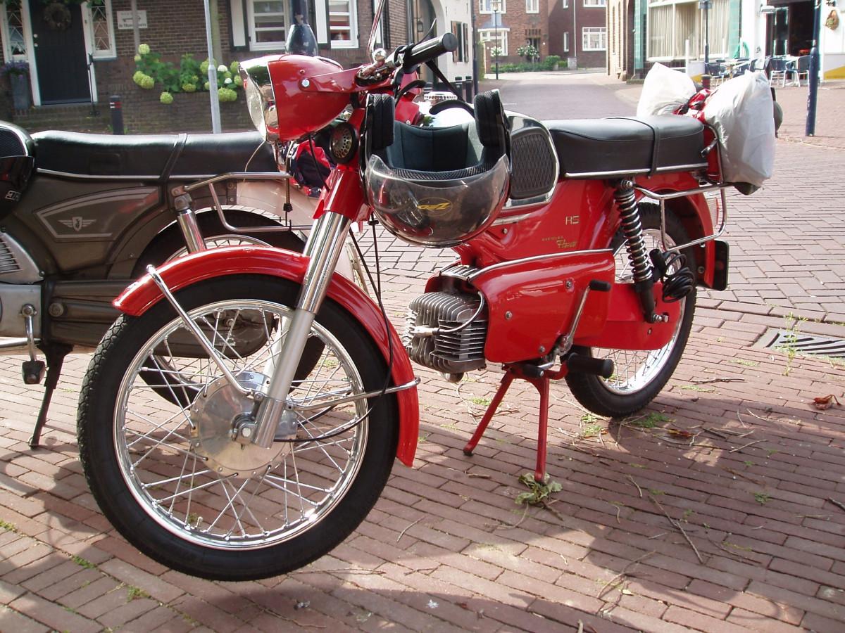 kostenlose foto auto fahrrad moped oldtimer motorr der ddr zweir driges fahrzeug wenn. Black Bedroom Furniture Sets. Home Design Ideas