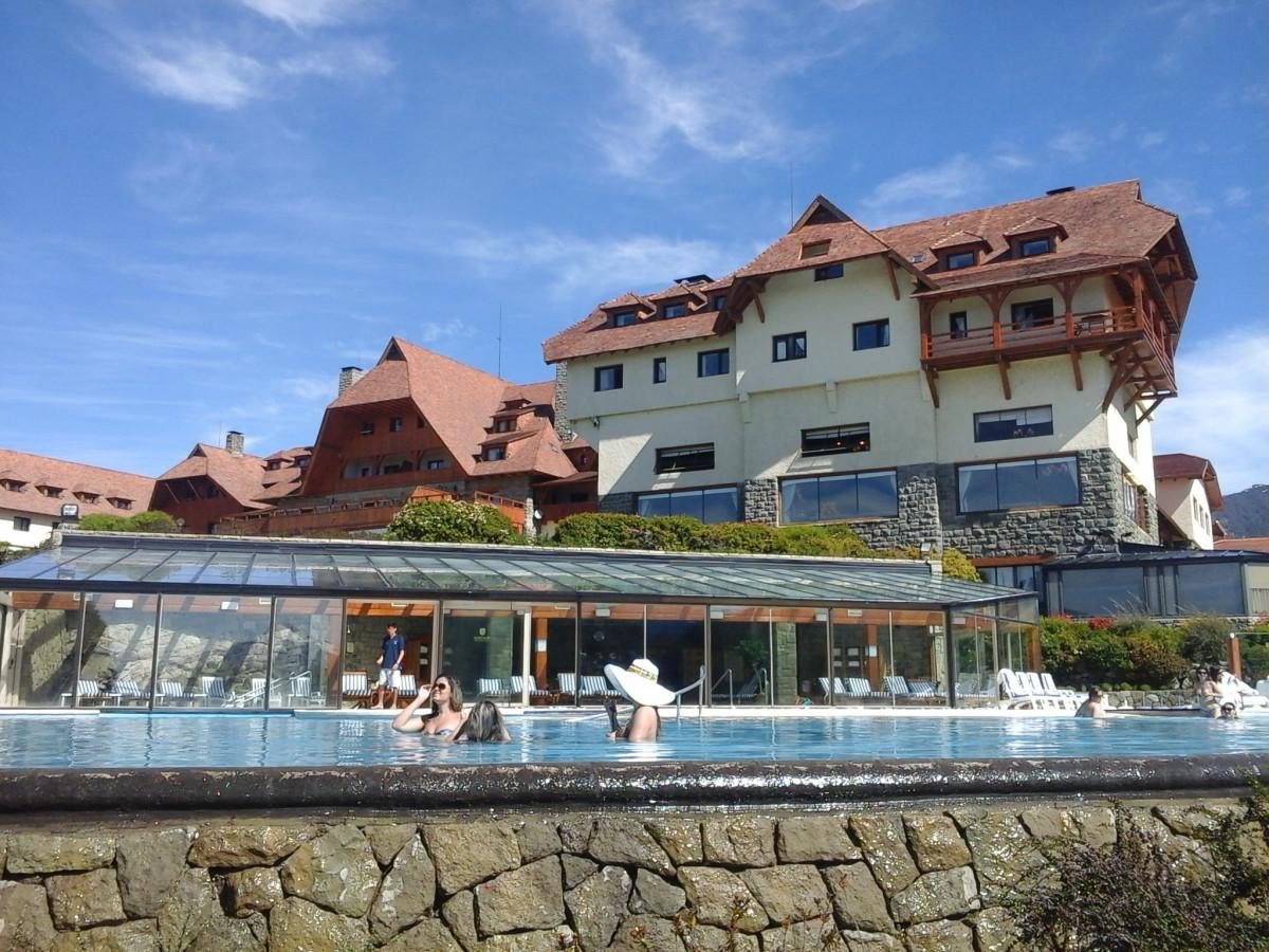 Images gratuites mer villa manoir maison ville for Piscine lau balagnas