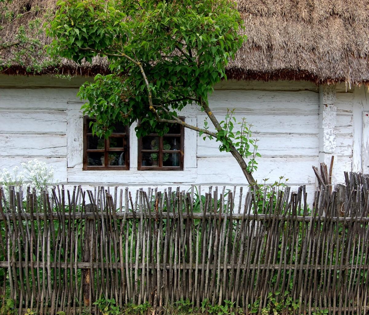 Gratis afbeeldingen farm dorp landbouw houten huis landelijk gebied oud huisje hut - Verlenging hout oud huis ...