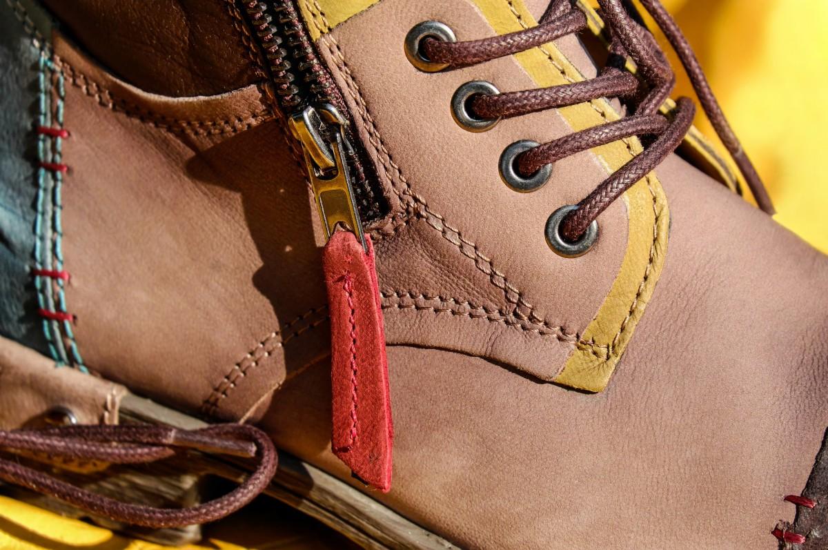 การเลือกรองเท้ากับสาว ๆ