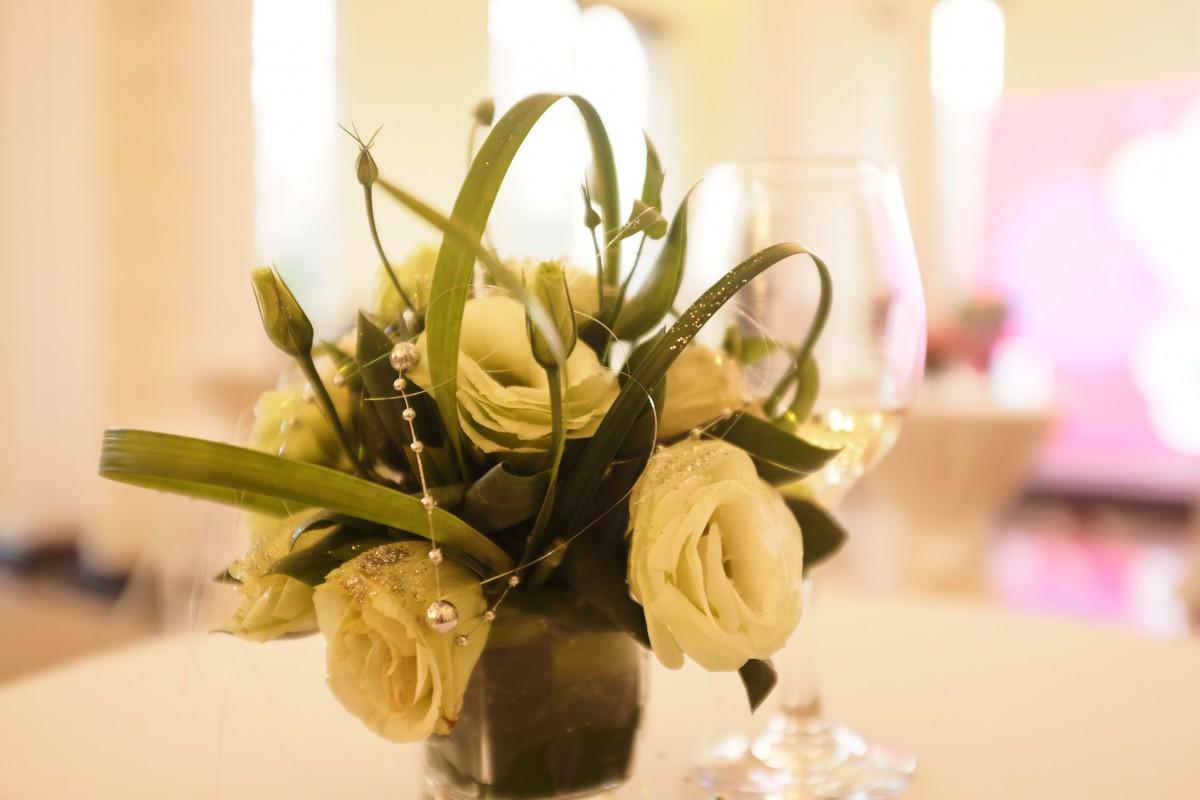 Images gratuites plante fleur d coration jaune for Bouquet de fleurs wine