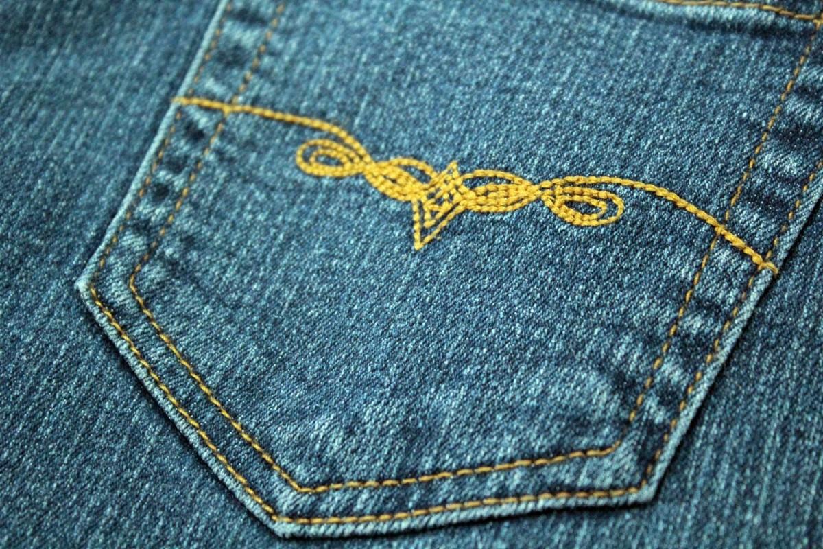 Вышивка на джинсы эскиз