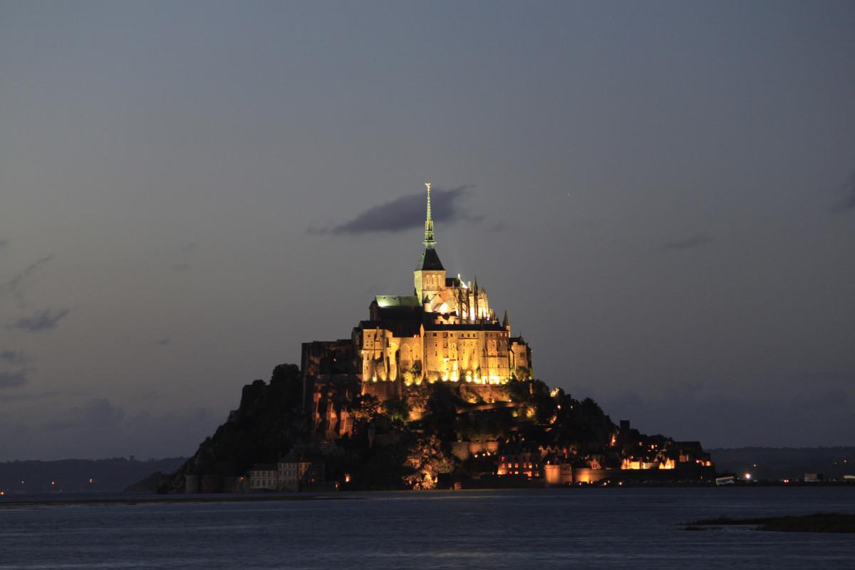 mer côte océan nuit crépuscule France soir réflexion la tour baie île point de repère monastère Mont st michel