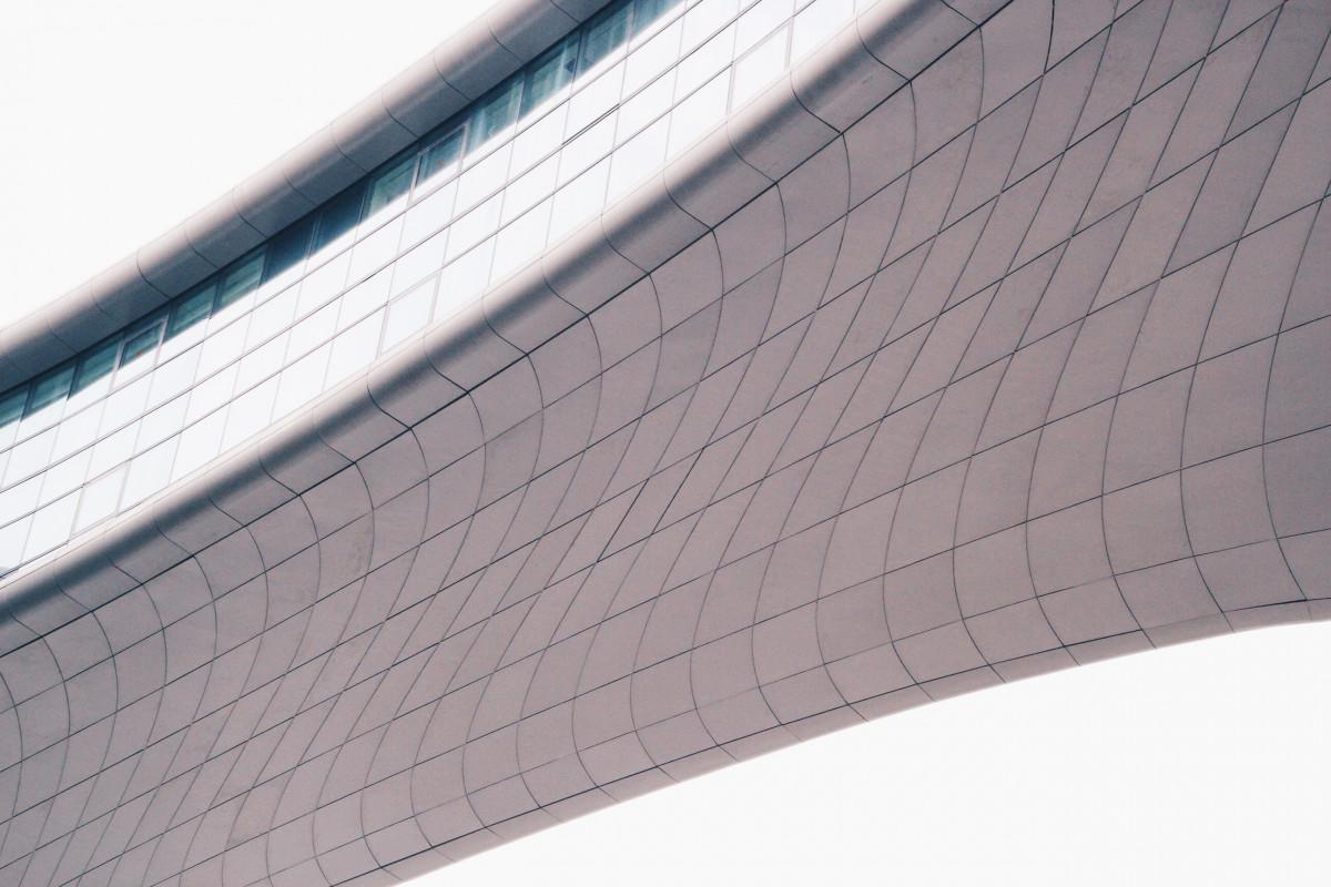 翼 建築 構造 ルーフ 建物 天井 ライン ファサード タイル モダン 材料 タイヤ