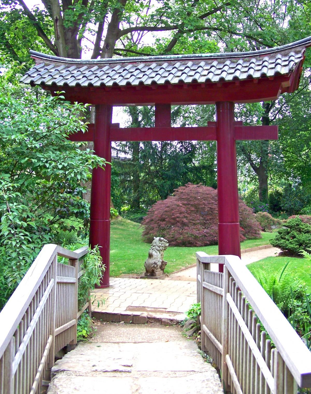good japanese wooden garden structures 12