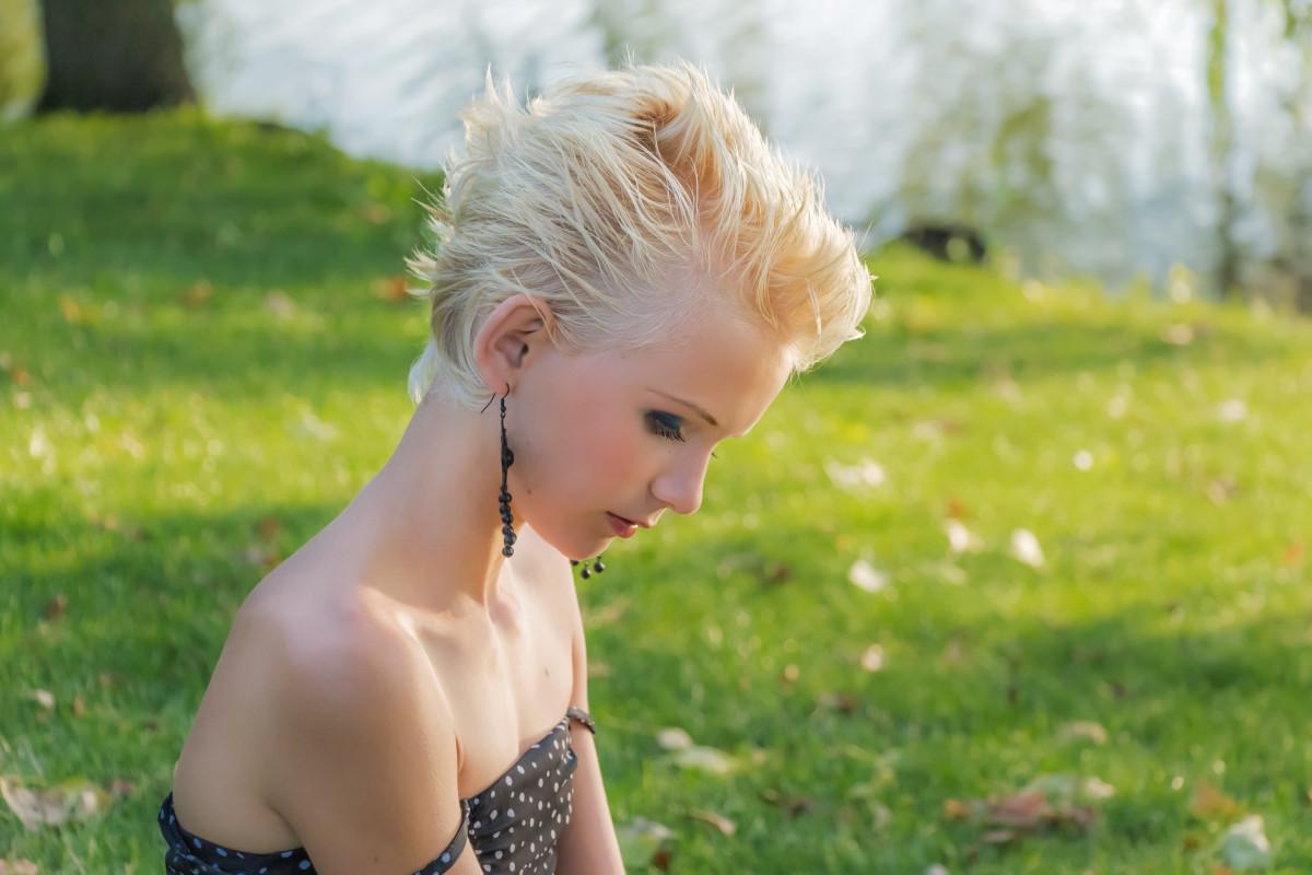 Фото девушек в профиль блондинка, негры жестко отъебали бабу