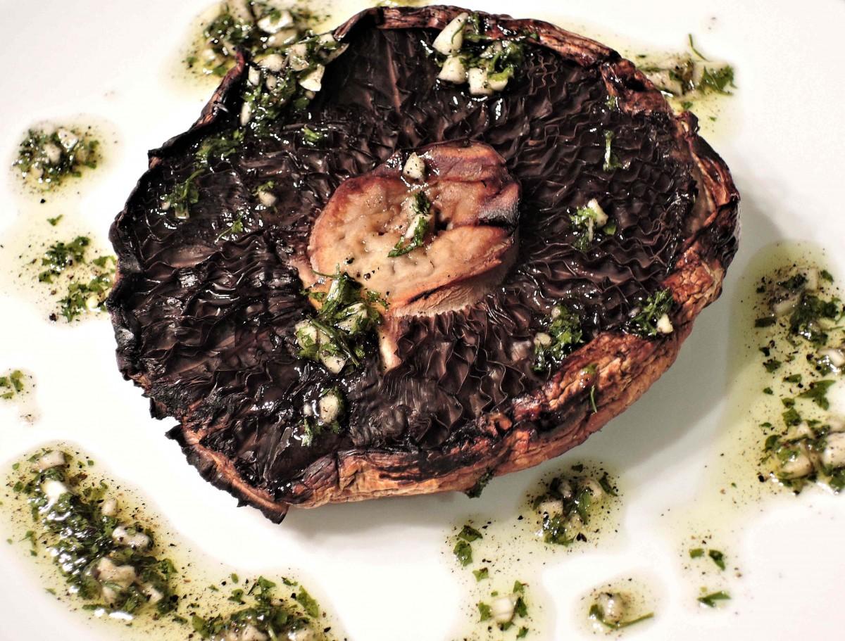 dish meal food herb garlic produce vegetable meat lunch cuisine steak dinner spices oil parsley bbq portobello mushroom