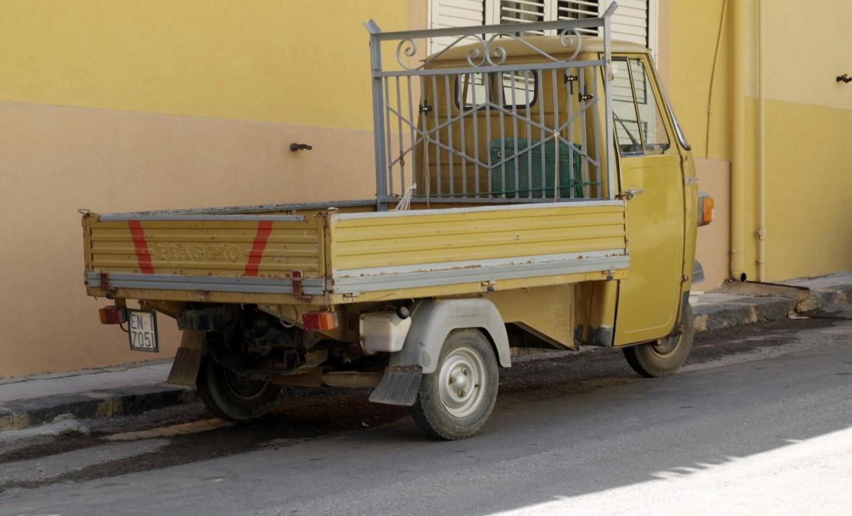 images gratuites voiture cru chariot vieux l 39 europe. Black Bedroom Furniture Sets. Home Design Ideas