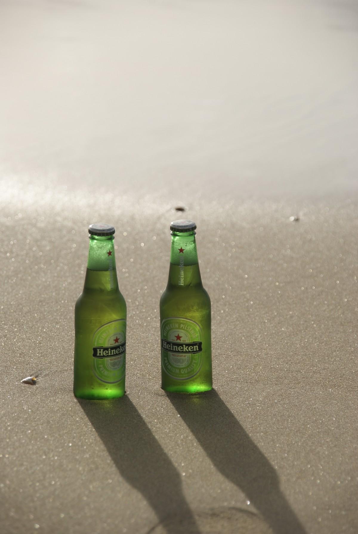 Fotos gratis : playa, mar, agua, arena, beber, cerveza ...