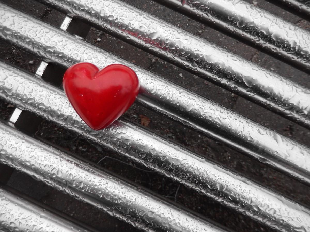картинки грустные сердечки удары футболе возможны