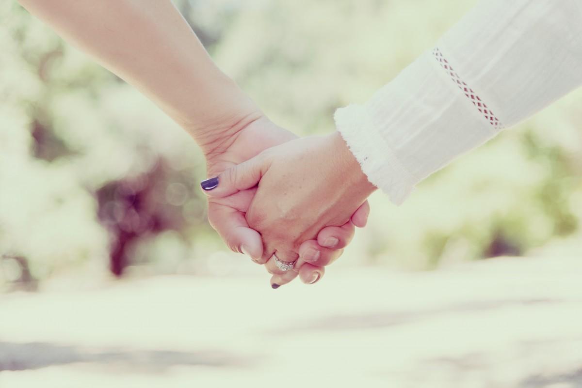 Christian dating pitämällä kädet