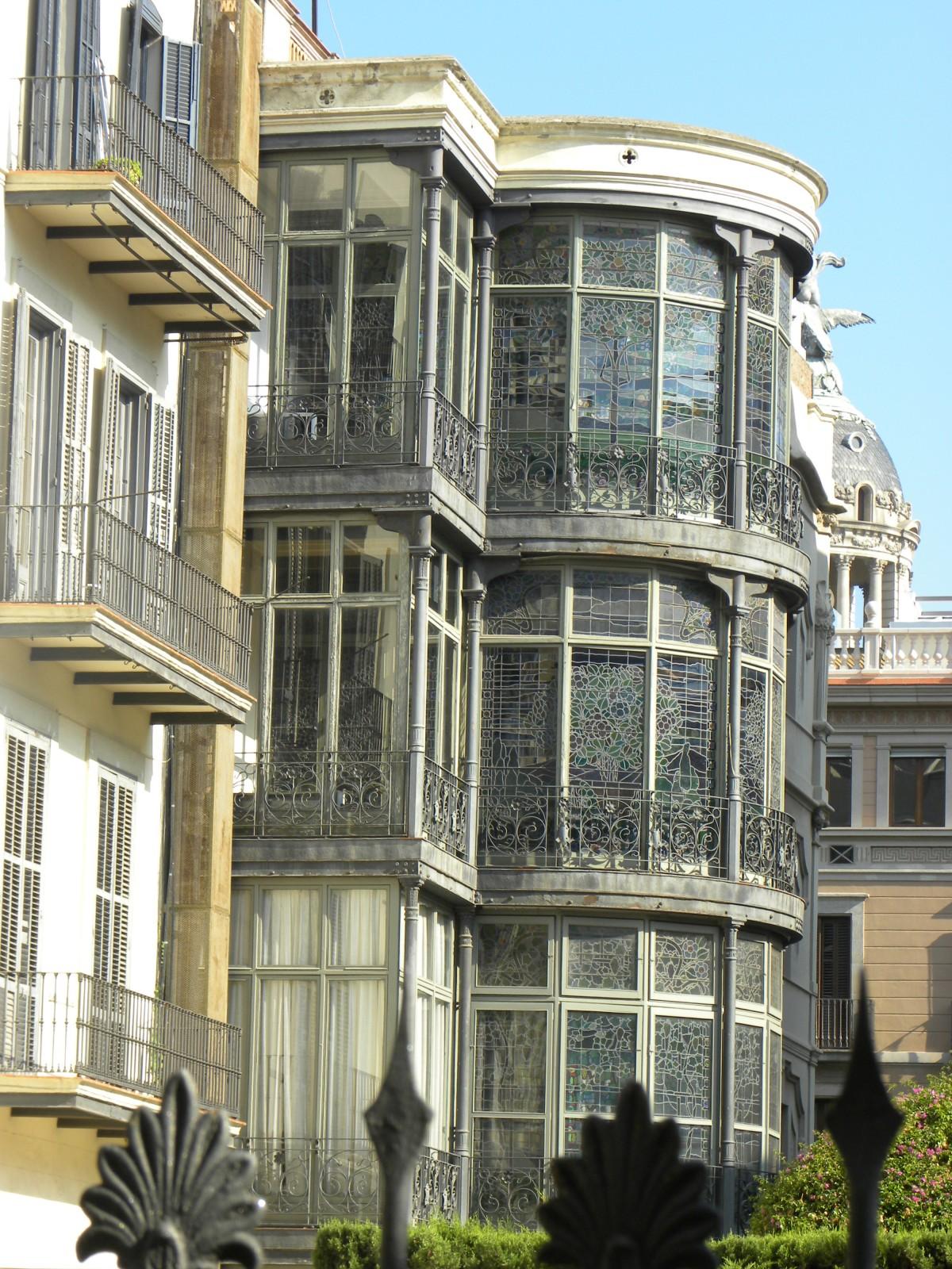 Die Architektur Villa Haus Fenster Palast Zuhause Innenstadt Balkon Europa  Wahrzeichen Fassade Barcelona Turmblock Erdkunde Spanien
