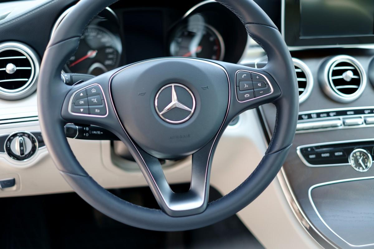 Auto cockpit straße  Kostenlose foto : Technologie, Weiß, Auto, Rad, Fahrzeug, Fabrik ...
