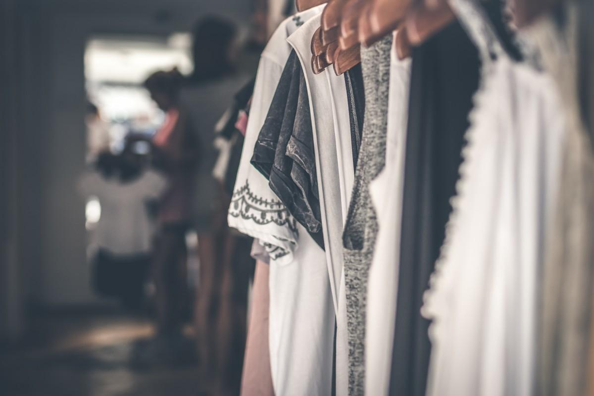 assorted_blurred_background_boutique_business_close_up_closet_clothes_clothes_hanger-1561497.jpg!d