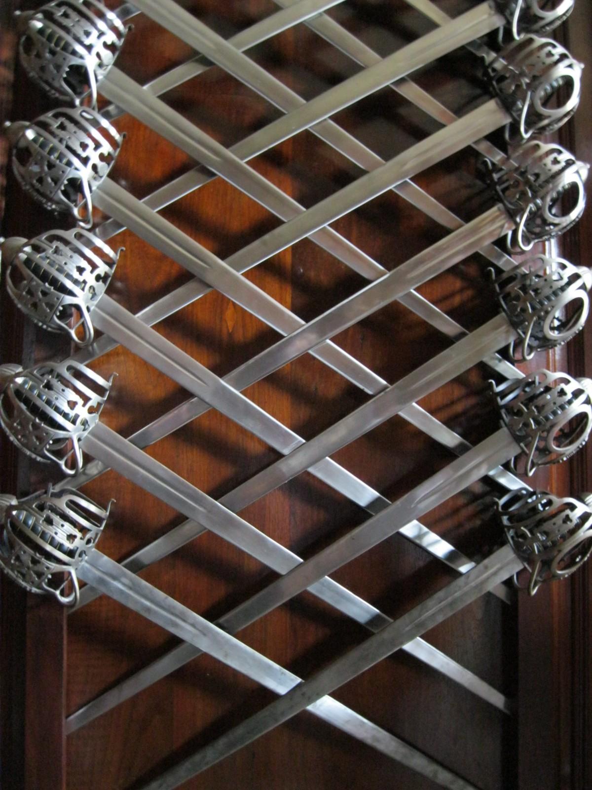 Gratis afbeeldingen hout antiek muur balk plafond metaal verlichting materiaal - Interieur ontwerp trap ...