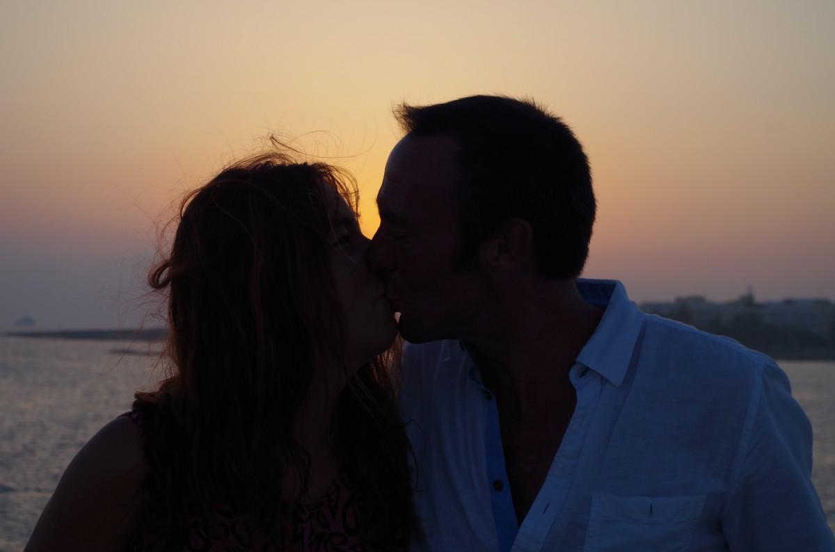 Dating romantic relationship