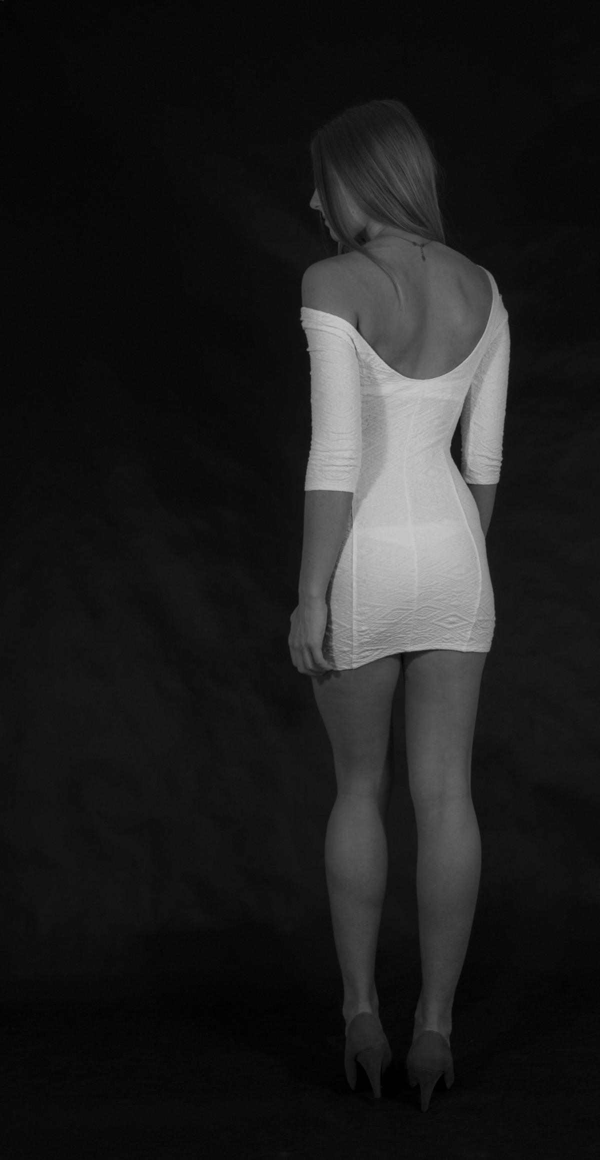 Brezplačne slike Črno-belo, dekle, cvetni list, portret-6987