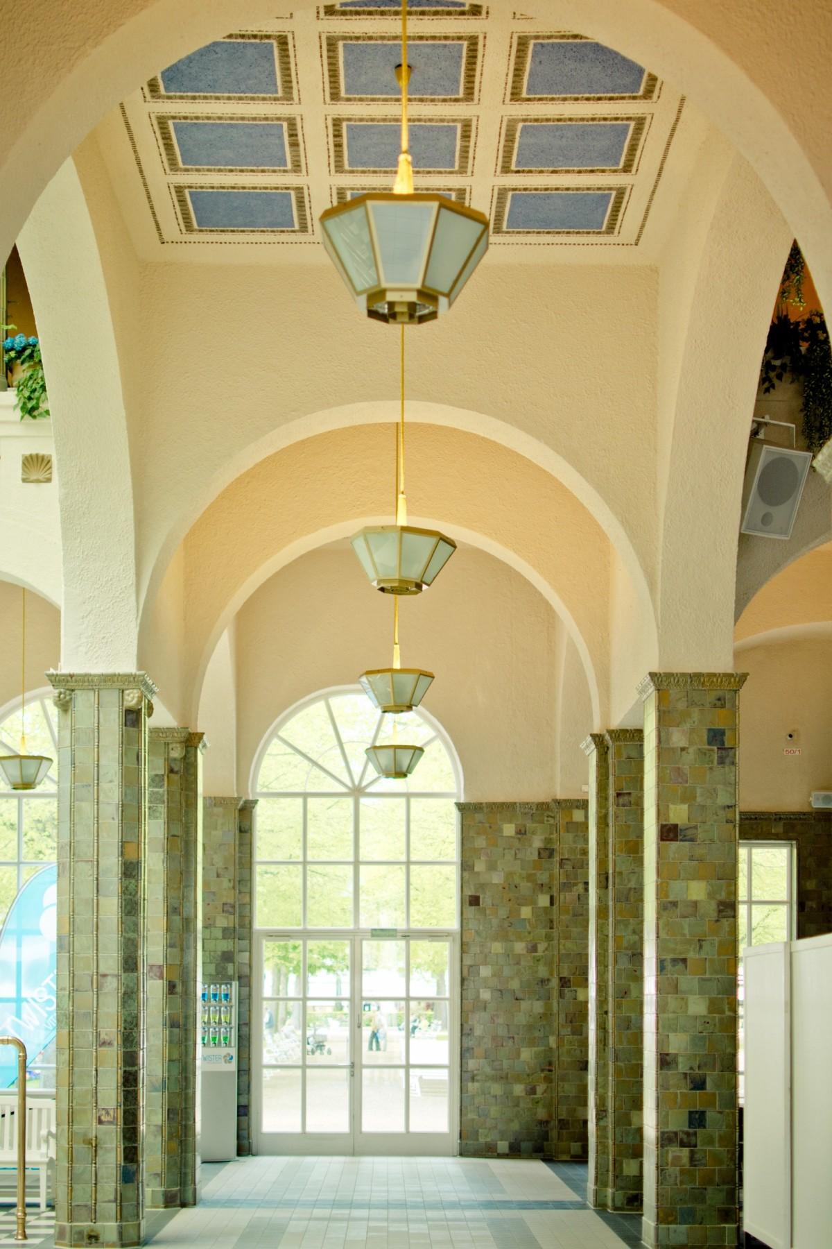 Gratis afbeeldingen licht architectuur huis boog plafond hal kasteel interieur ontwerp - Huis interieur architectuur ...