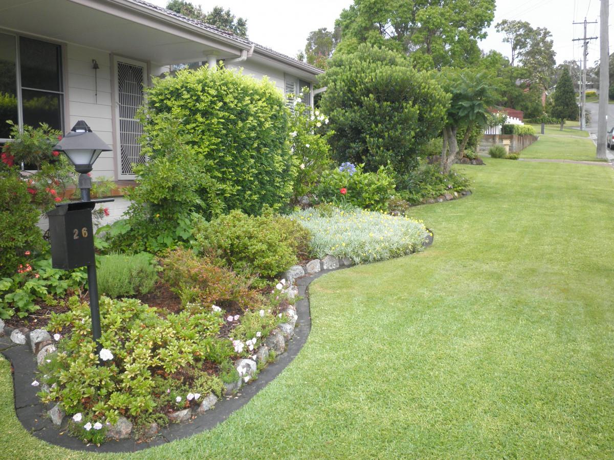 Images gratuites herbe plante rue pelouse maison for Plante maison