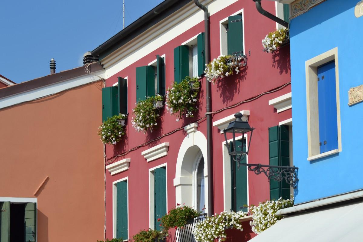 Images gratuites architecture villa maison fen tre b timent ruelle village italie for Fenetre villa