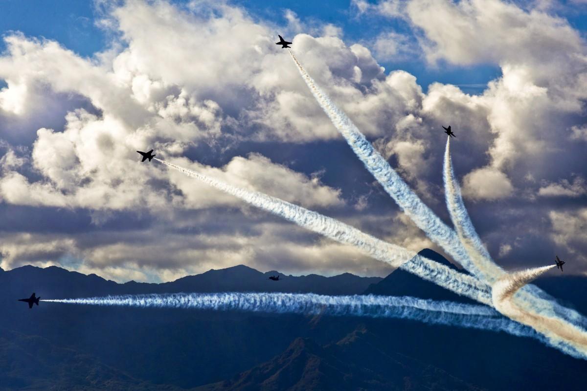 Открытки с небом и самолетом