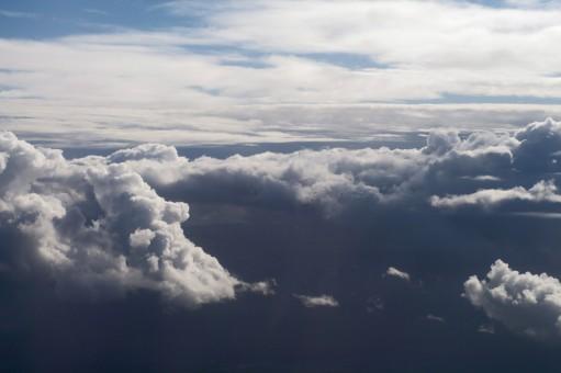 多云天气f图片_图片素材 : 性质, 地平线, 天空, 阳光, 大气层, 白天, 环境, 高 ...