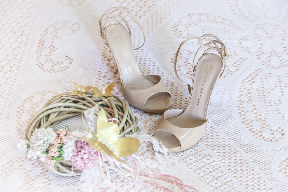 206bd47697e2 střevíc žena kvetina okvetné lístok výzdoba farba motýľ nevesta manželstvo  koruna sandále obuv podpätky svadobné šaty