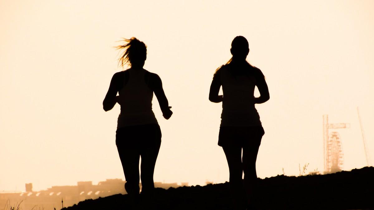 silueta, cielo, niña, Mañana, corriendo, recreación, en pie, oscuridad, chicas, Imagen genial, divertido, Figuras, genial foto, tarde, ejercicio físico
