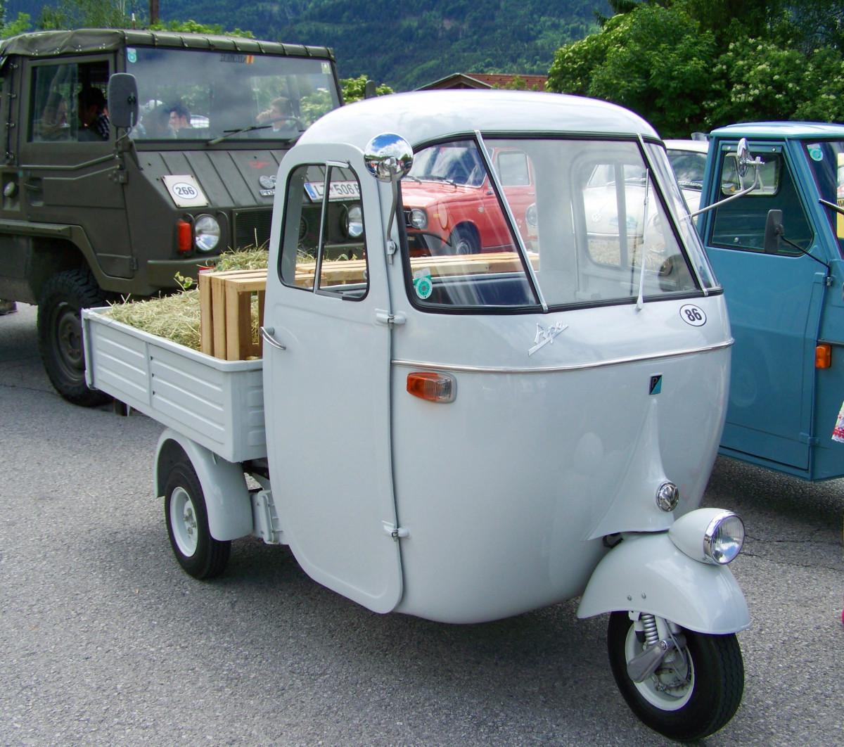images gratuites blanc voiture chariot tricycle van un camion v hicule v t ran voiture. Black Bedroom Furniture Sets. Home Design Ideas